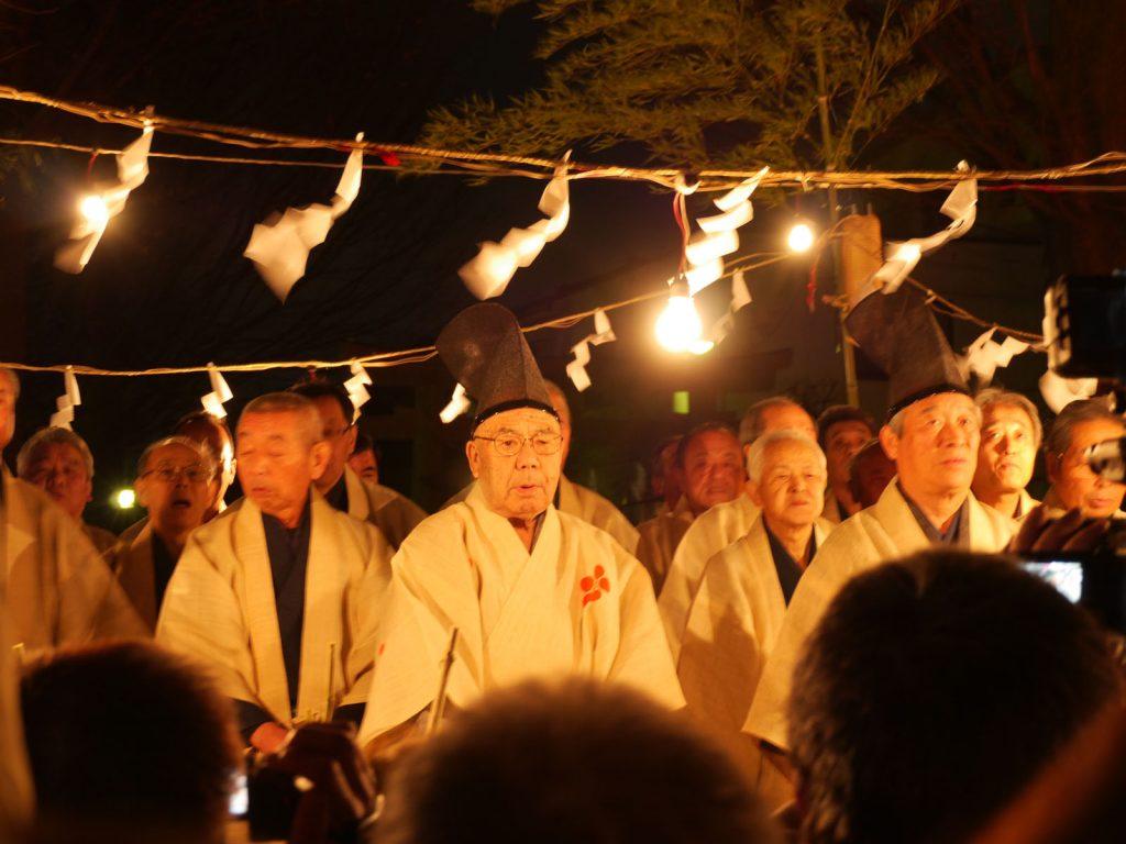 Taasobi im Tokumaru Kitano Schrein in Itabashi, Tokyo - Neujahrsfest in Itabashi im Kitano-Schrein