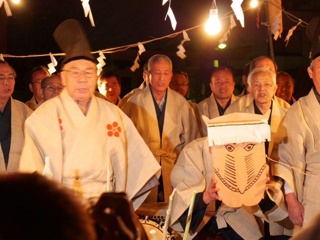 Taasobi im Tokumaru Kitano Schrein in Itabashi, Tokyo0 - Neujahrsfest in Itabashi im Kitano-Schrein