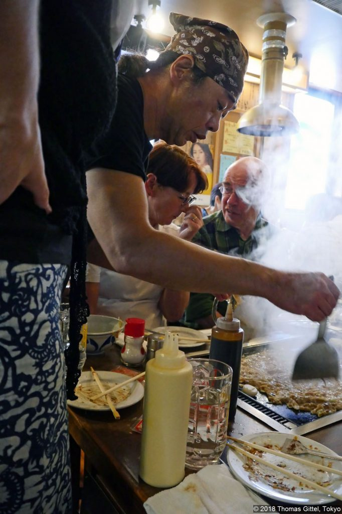 Exkursion: Tokyo Roji Tsukishima/Tsukudajima (Okonomiyaki und Monjayaki im