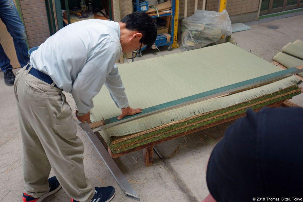 Okada Tatami-Werkstatt, Kawagoe (omote harisagyo) - Besichtigung einer Werkstatt für Tatami-Herstellung