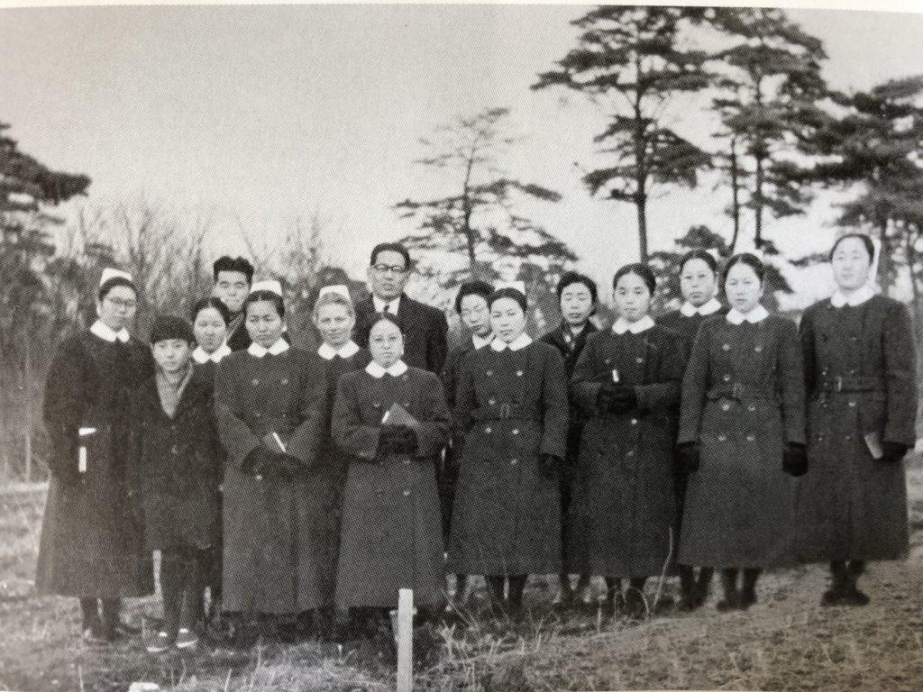 Deutsche und japanische Diakonissen in Tokyo 1954
